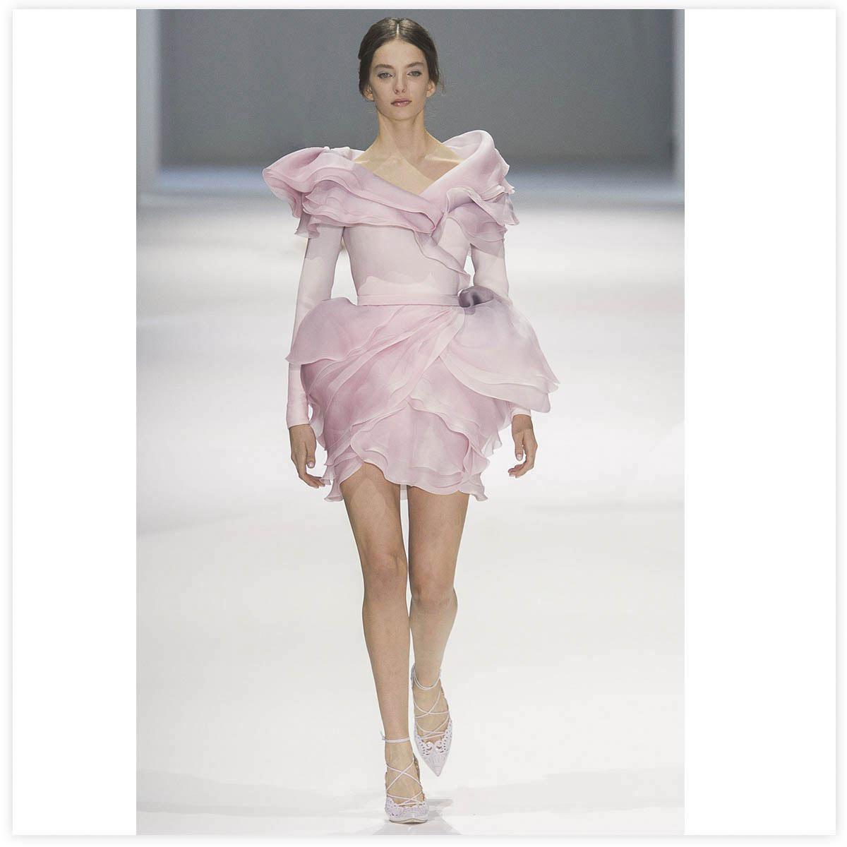 Ralph & Russo Haute-Couture Défilé 2015 Aérographe sur tissu à plat