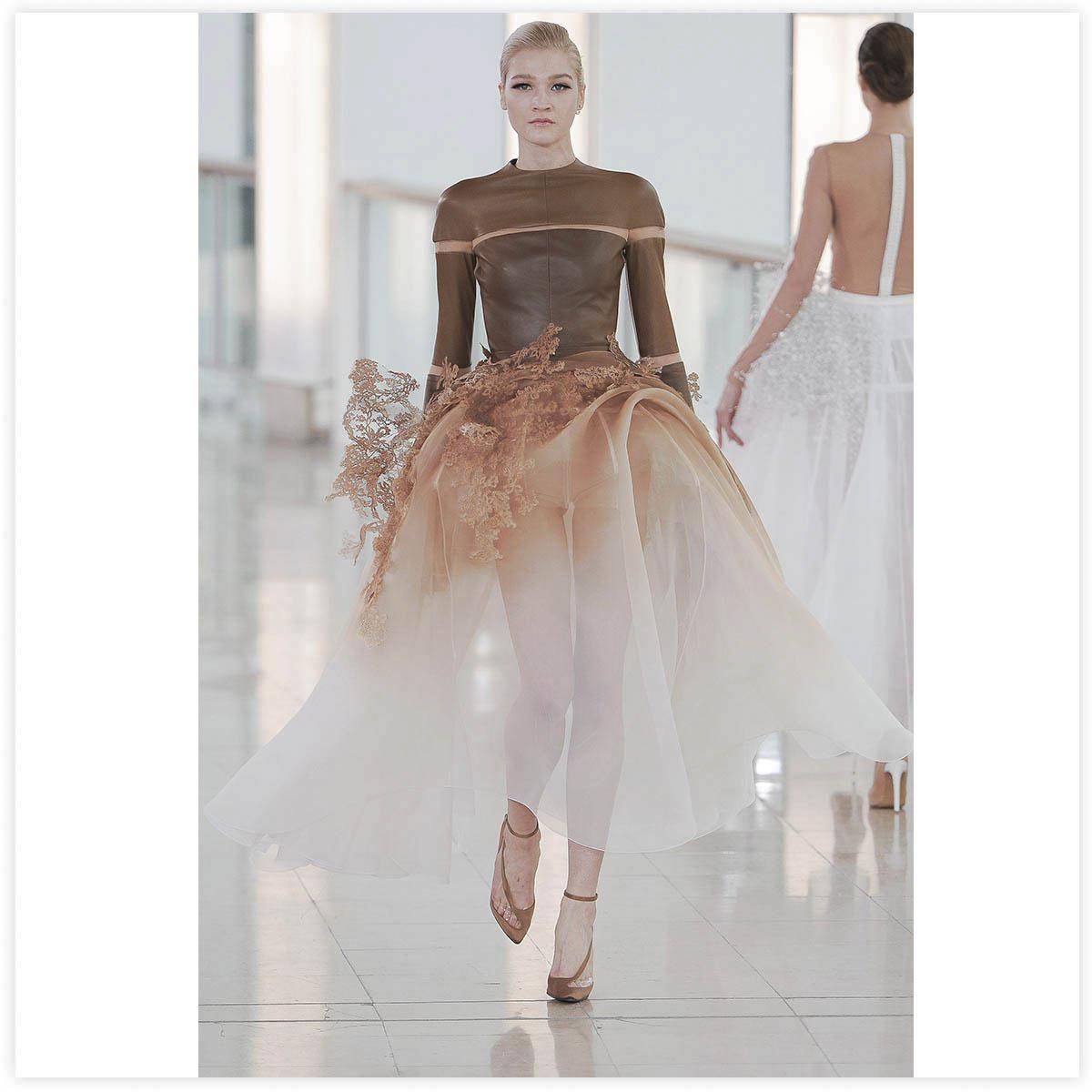 Stéphane Rolland Haute-Couture Défilé 2015 Aérographe sur modèle monté