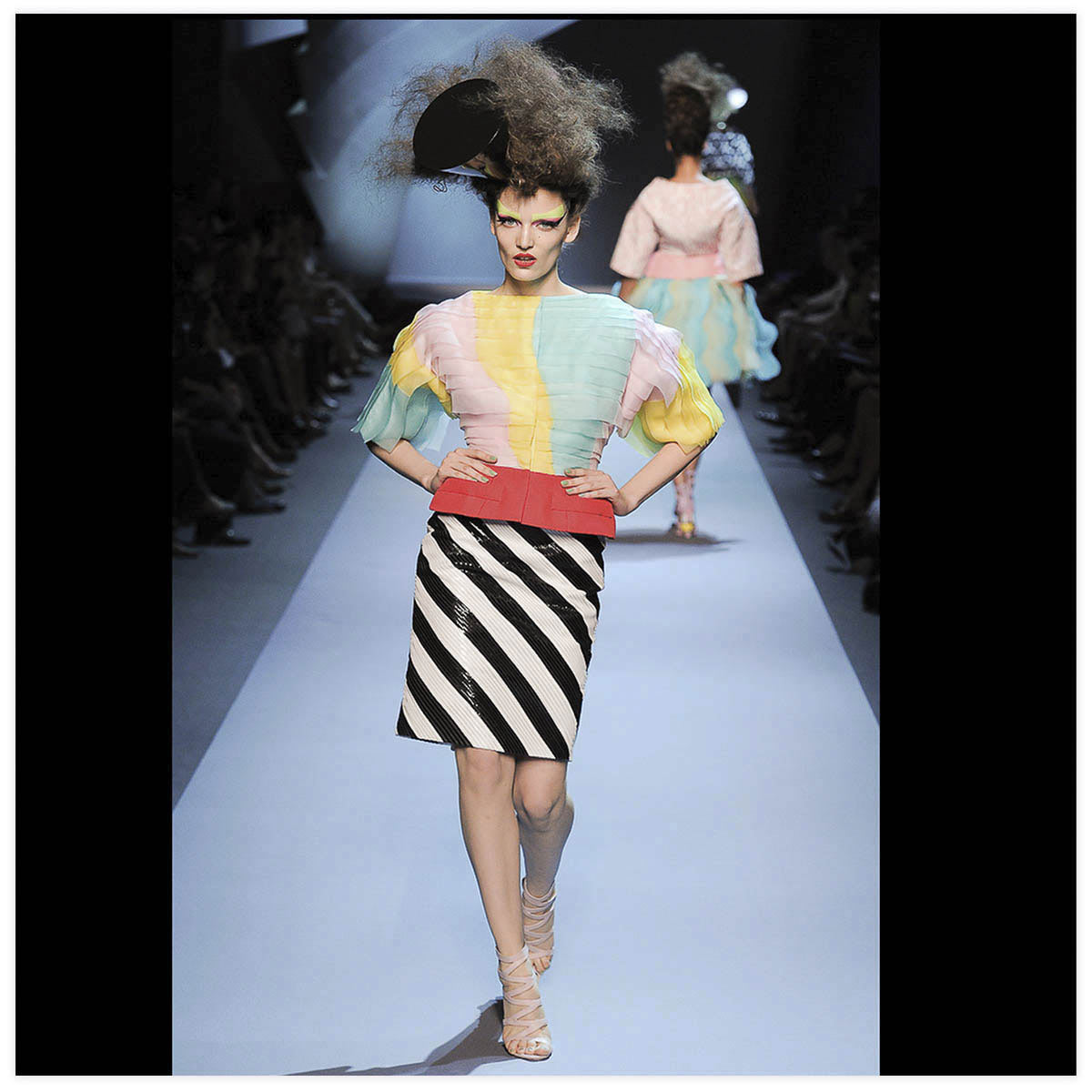 Christian Dior Haute-Couture Défilé 2011 Styliste B. Gayten Aérographe sur cuir