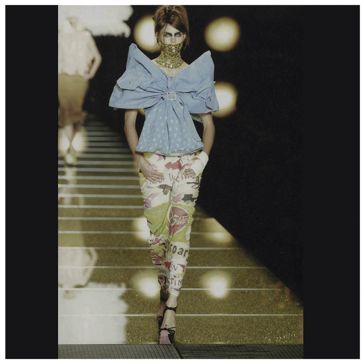 Christian Dior Haute-Couture Défilé 2001 Styliste J. Galliano Aérographe sur tissu à plat